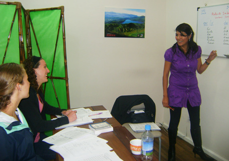 Teacher with students in the Terracentro Spanish School